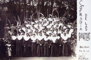 Photo de la fondation de la Confrérie des Palmiers. 1946