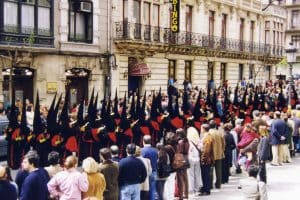 Banda. 2002